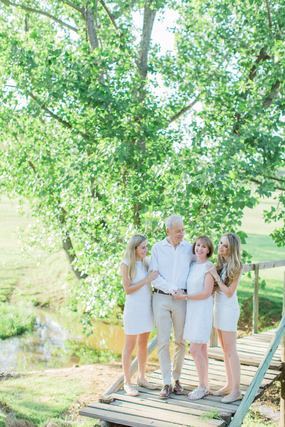 Grace Studios natural outdoor family photography